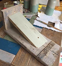 restjes steigerhout voor aan de muur